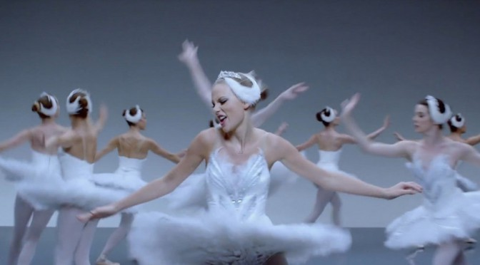 taylor-swift-shake-it-off-music-video-07